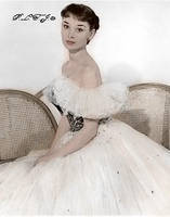 Audrey Hepburn by Linnea-Rose