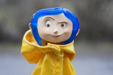 Cross-eyed Coraline by HannahKoller