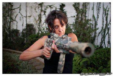 Zorin got her gun by ButohDanseur