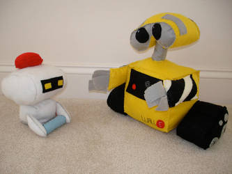 Wall-E and M-O by plushies-by-chrissie