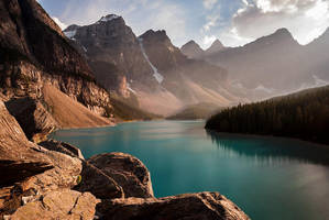 Moraine Lake by 2-0-1-9