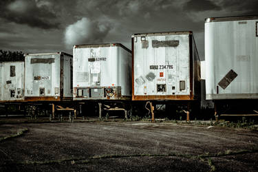 Trailers left to rust by AaronsLens