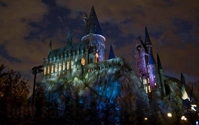 Nighttime at Hogwarts... by tonysak