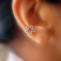 silver star ear-cuff by pikabee