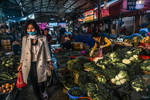 good morning Vietnam - elegant buyer Hanoi market by Rikitza