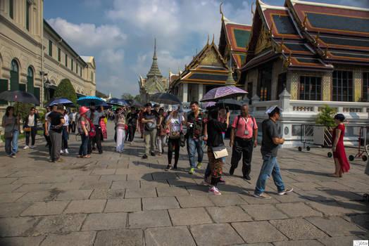 Bankok with love - Royal palace visitors by Rikitza