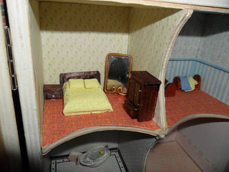 Mini Mini Master Bedroom by kayanah