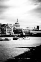 St Paul's Cathedral - London by nasigoreng