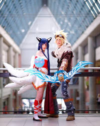 League of Legends ~ Ahri and Ezreal by Yamato-Leaphere