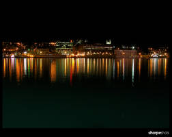 lights across the harbour by Sharpeshots