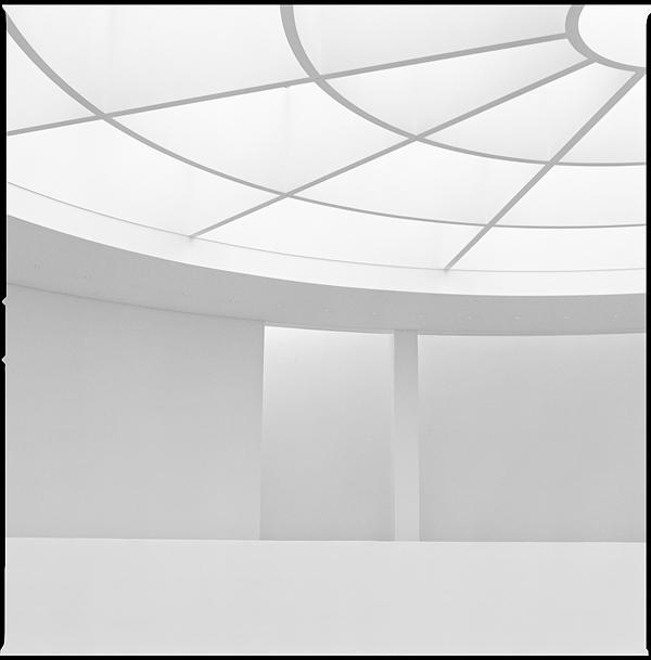 white geometry by quadratiges