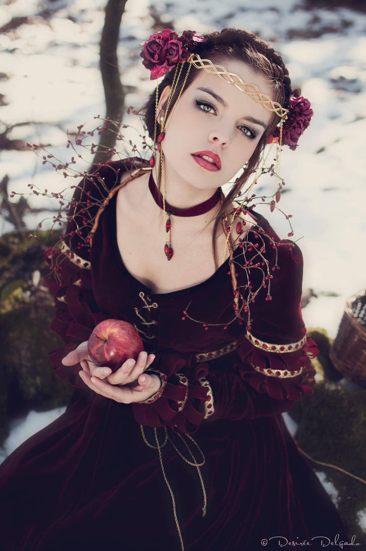 Snow White 4 by Costurero-Real