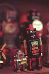 Robot by avivi
