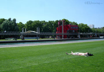 Enjoying the sun at Paris parks by EUtouring