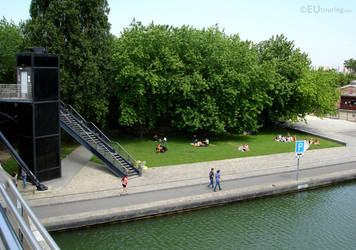 Lovely parks in Paris by EUtouring