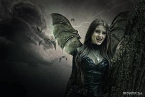 Vampirella by Bergkristalle