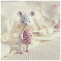 Polka-dot mouse 02 by Katy-Doll
