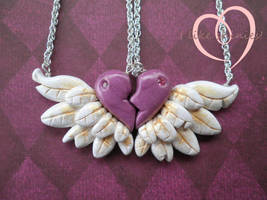 Wings of friendship by ilikeshiniesfakery