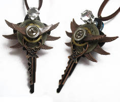 Steampunk Light Up Necklace by xxPRECIOUSMOMENTSxx