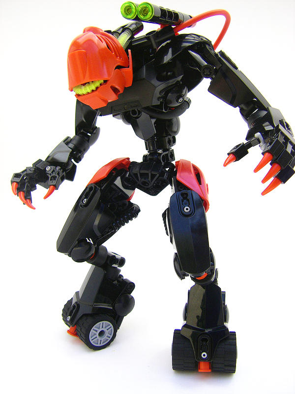 Bionicle MOC: Hunter by LordObliviontheGreat