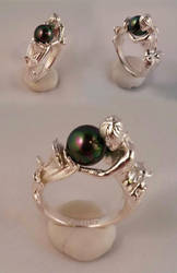 Sterling Arianna mermaid ring with pearl by kerinewton