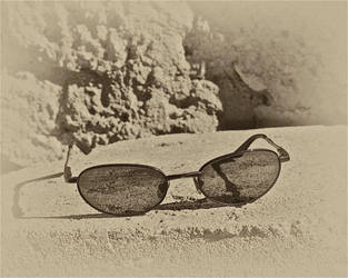Sun-glasses. by jennystokes