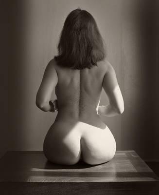 Posing For Paleolithic Venus by leadbirdie
