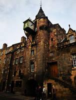 Edinburgh building by Estruda