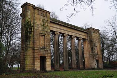 The Columns by Estruda