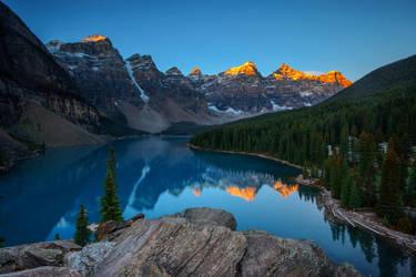 Morning at Moraine Lake by porbital