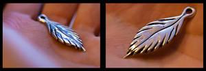 Silver feather by Alandil-Lenard
