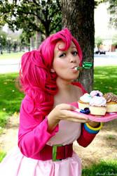 cupcakes cupcakes cupcakeeees by Spwinkles