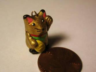Golden Lucky Cat Charm by Licht-chan