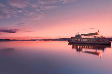 Silent ship by NickKoutoulas
