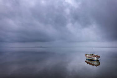 Deceiving  sea by Chris-Lamprianidis