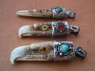 The Birds  carving pendant Eagle by McCaren