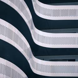 Waves by Pierre-Lagarde