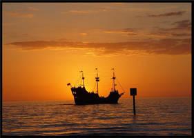 Sun Sailing by zannapic