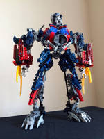 Ultimate Optimus Prime (MOC) by VerliTheBoss