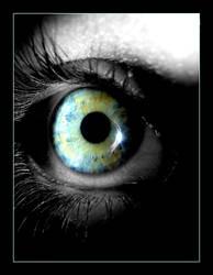 Crystal Eye by midnightsky-soul