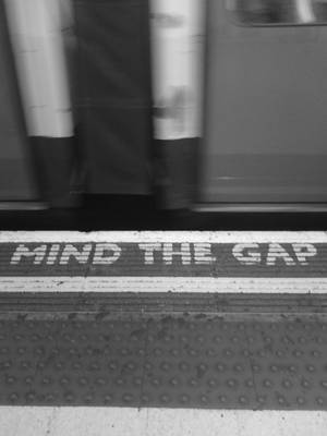 mind the gap by issabissabel