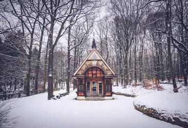 Hexenhaus im Schnee. by LunaFeles