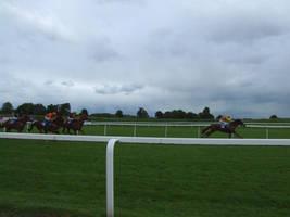 Last Minute Sprint by Hannatar