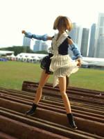 Dancing doll by iwahoshi