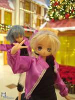 Photobomb by iwahoshi