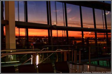 Sunrise on Heathrow by maxxxy