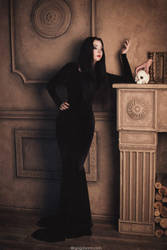 Morticia Addam. Let's talk, Thing? by NellieSchwarz
