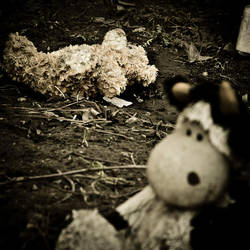 Toys grave10 by kaval0rn
