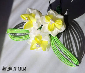 Narcissus Kanzashi Trio Hairpin by AppleDainty