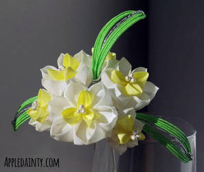 Narcissus Cluster Kanzashi Hair Fork by AppleDainty